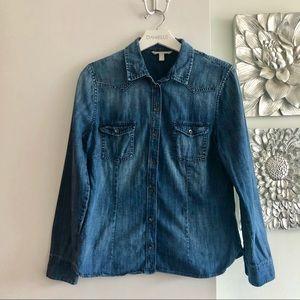 BANANA REPUBLIC Chambray Button Down Shirt
